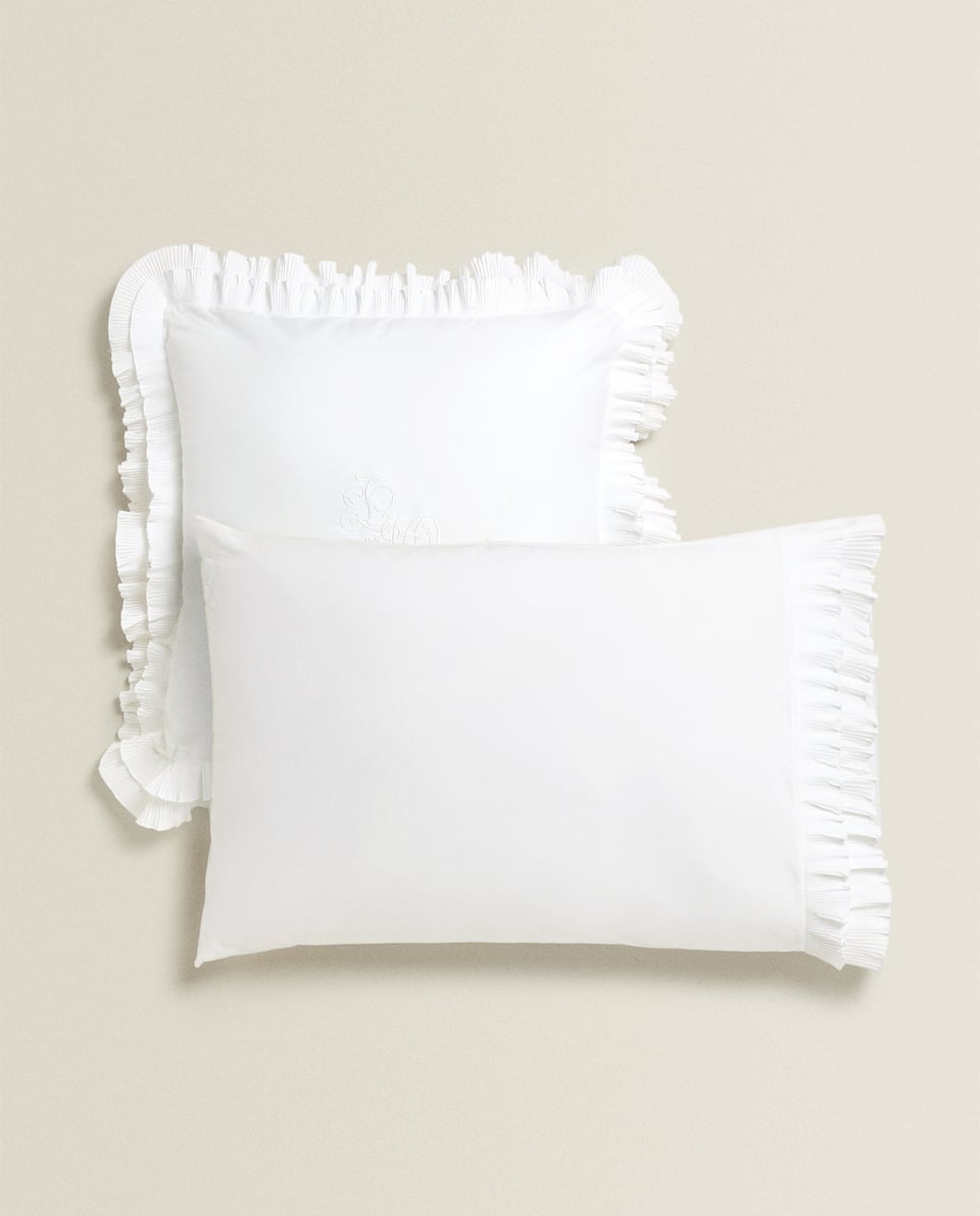 PILLOWCASE WITH PLEATED RUFFLE TRIM