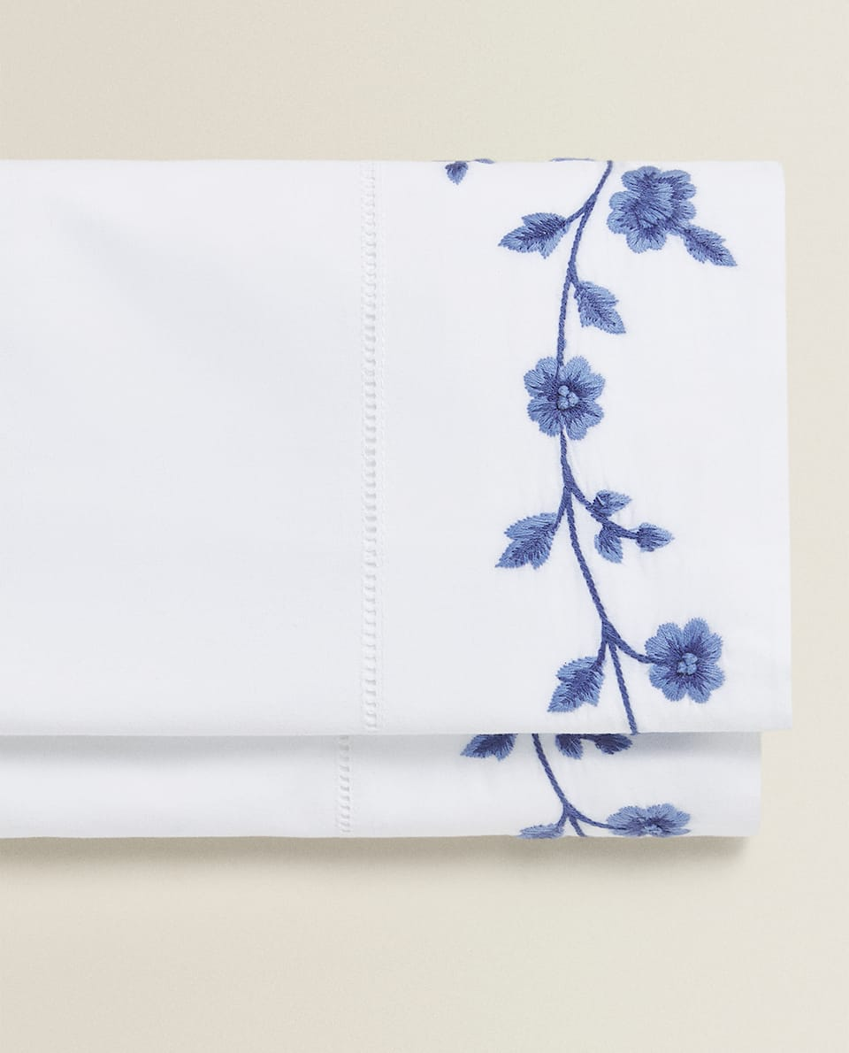 EMBROIDERED FLOWER FLAT SHEET