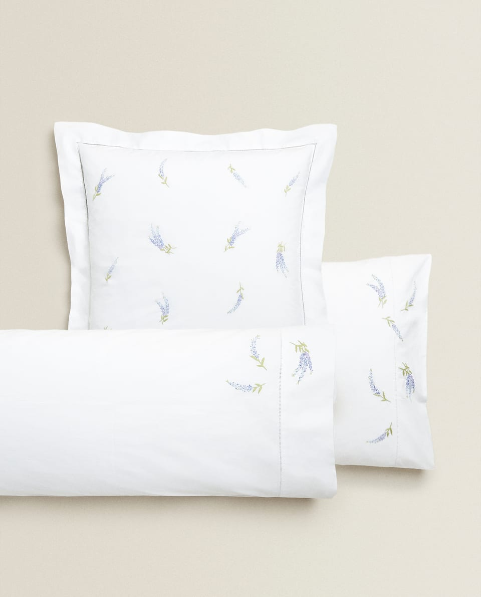 PILLOWCASE WITH LAVENDER EMBROIDERY