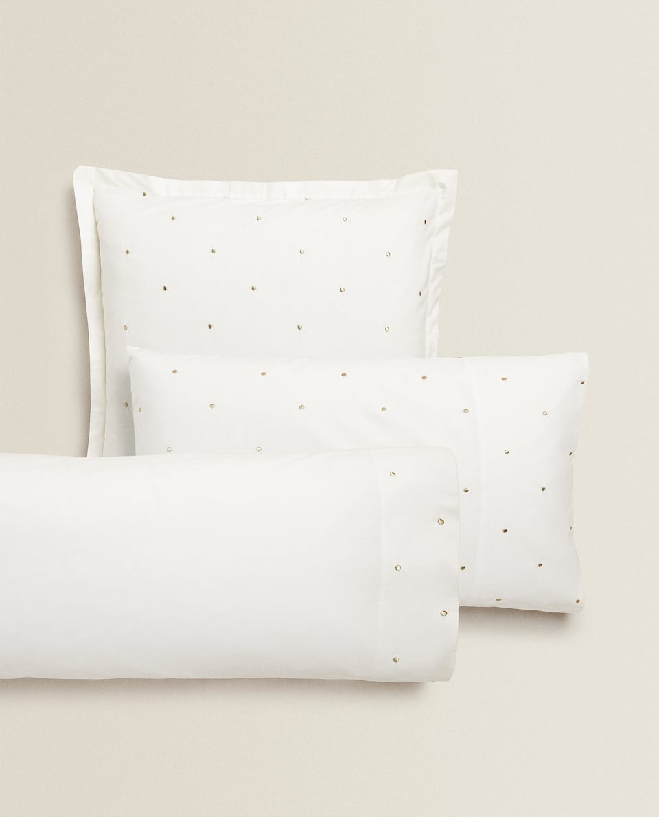 PILLOWCASE WITH EMBROIDERED DOTS