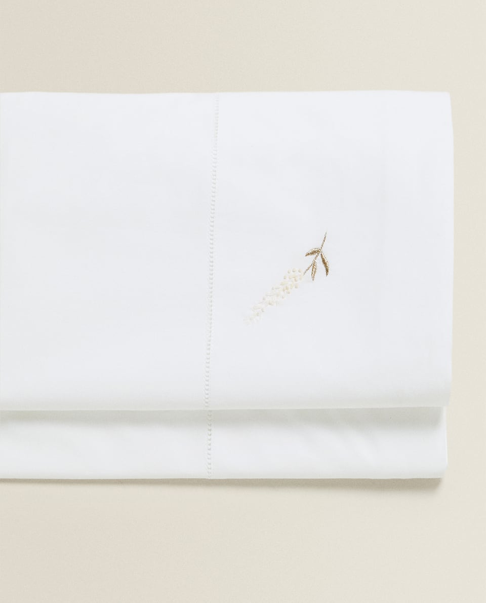 FLAT SHEET WITH LAVENDER EMBROIDERY