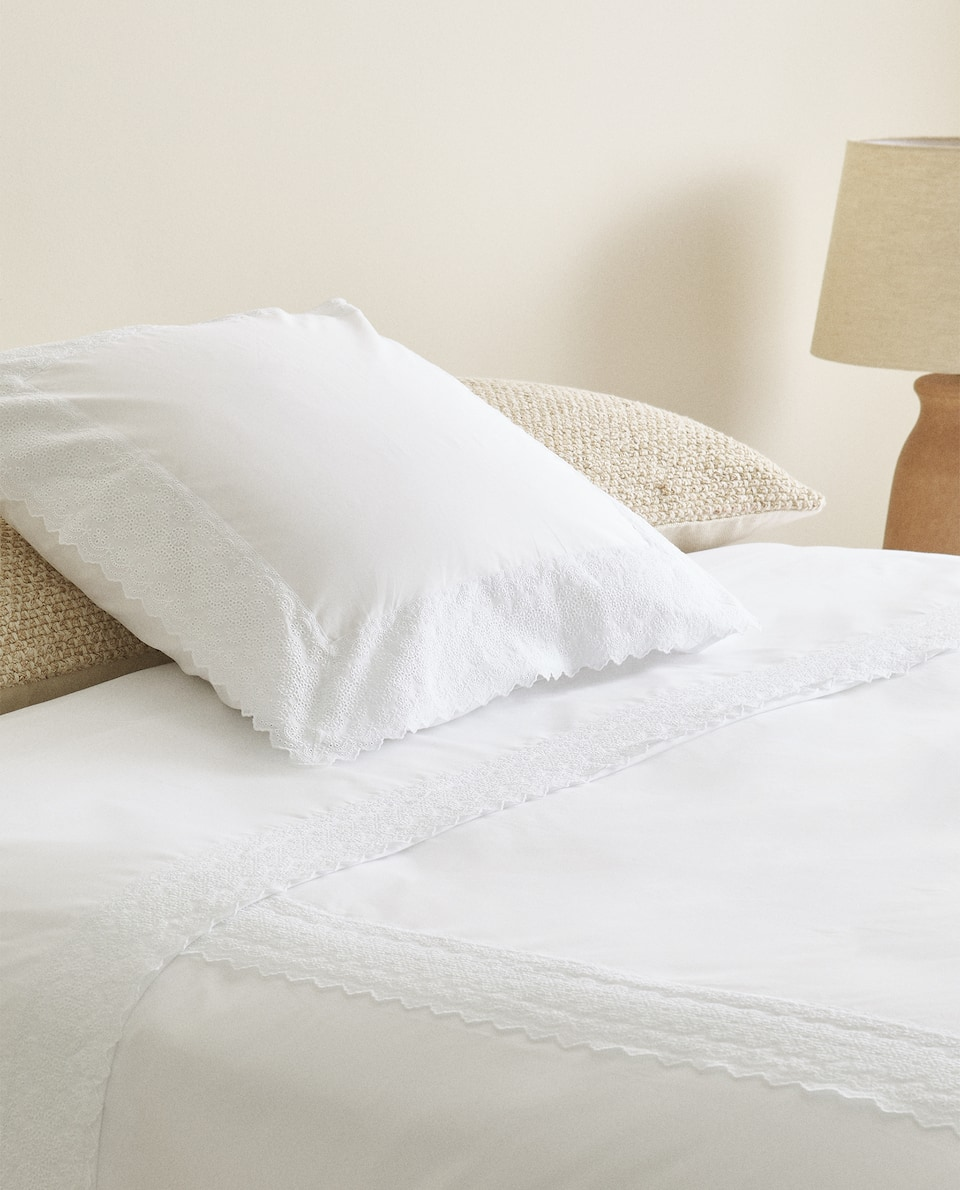EMBROIDERED LACE TRIM DUVET COVER