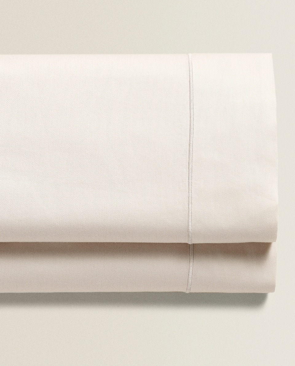 SATEEN FLAT SHEET WITH SCALLOPED EDGE (300 THREAD COUNT)
