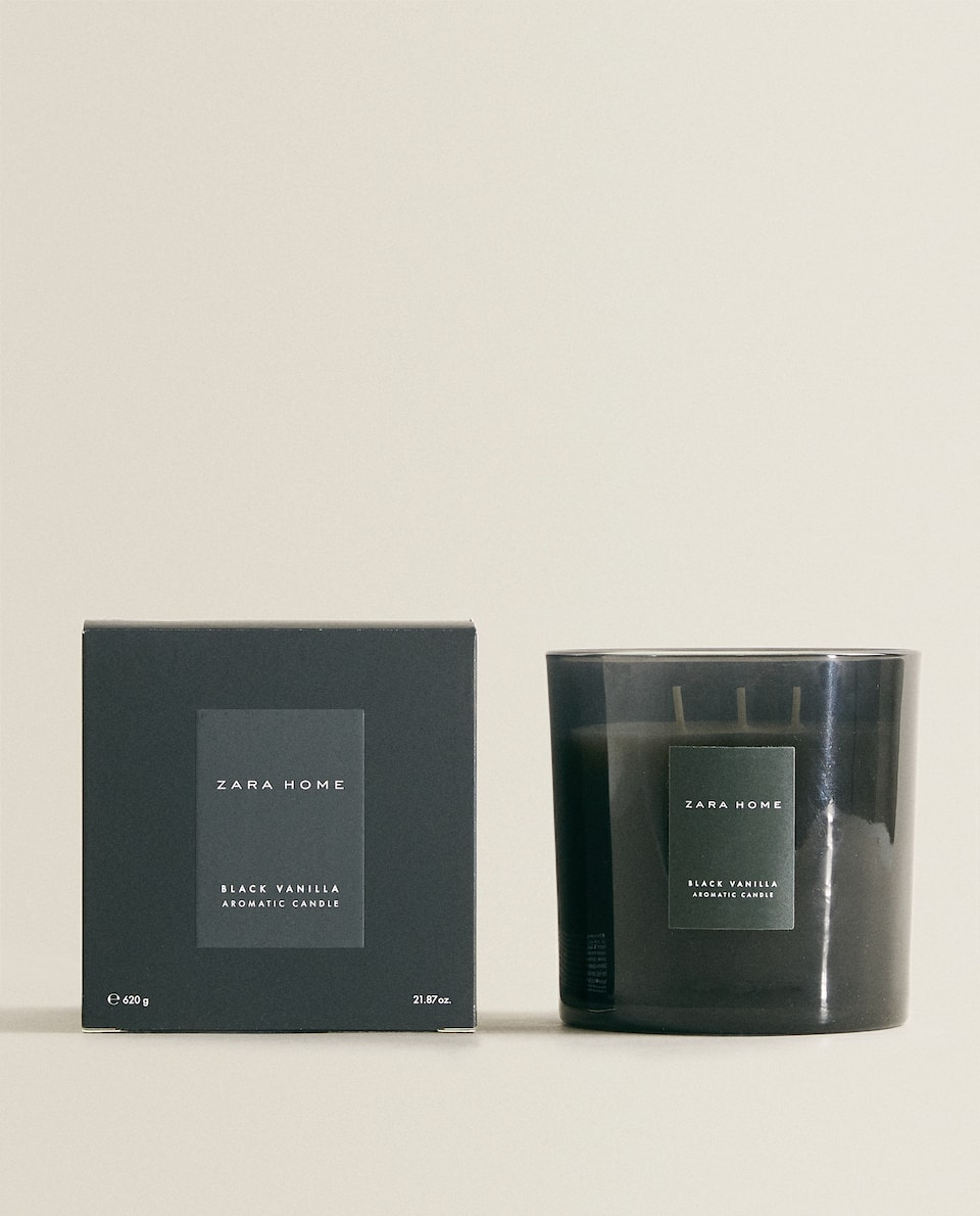 BLACK VANILLA SCENTED CANDLE (620 G)