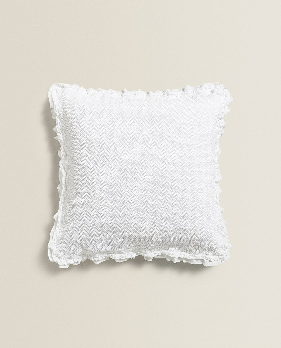 CUSHION COVER WITH RUFFLE TRIM