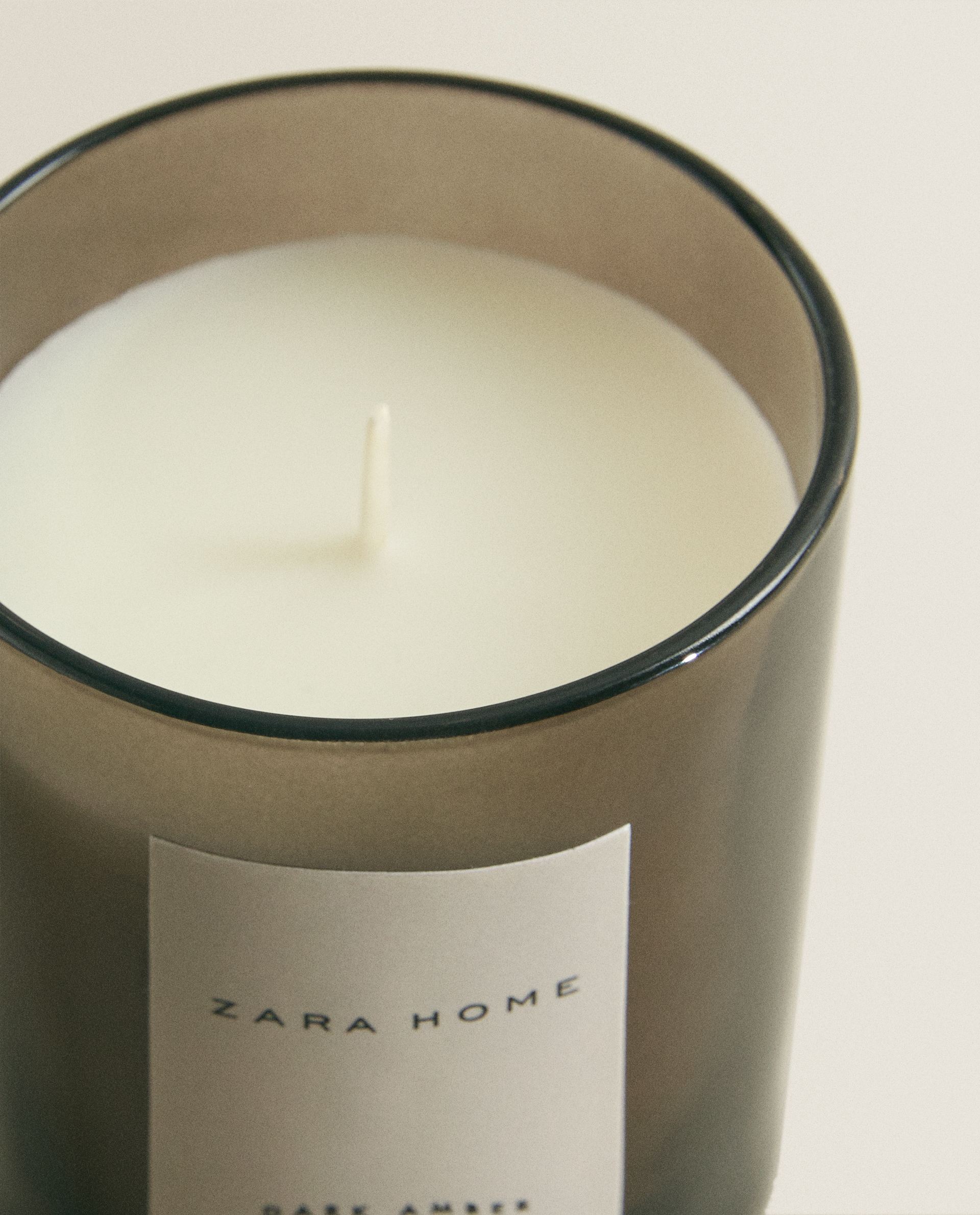 DARK AMBER SCENTED CANDLE