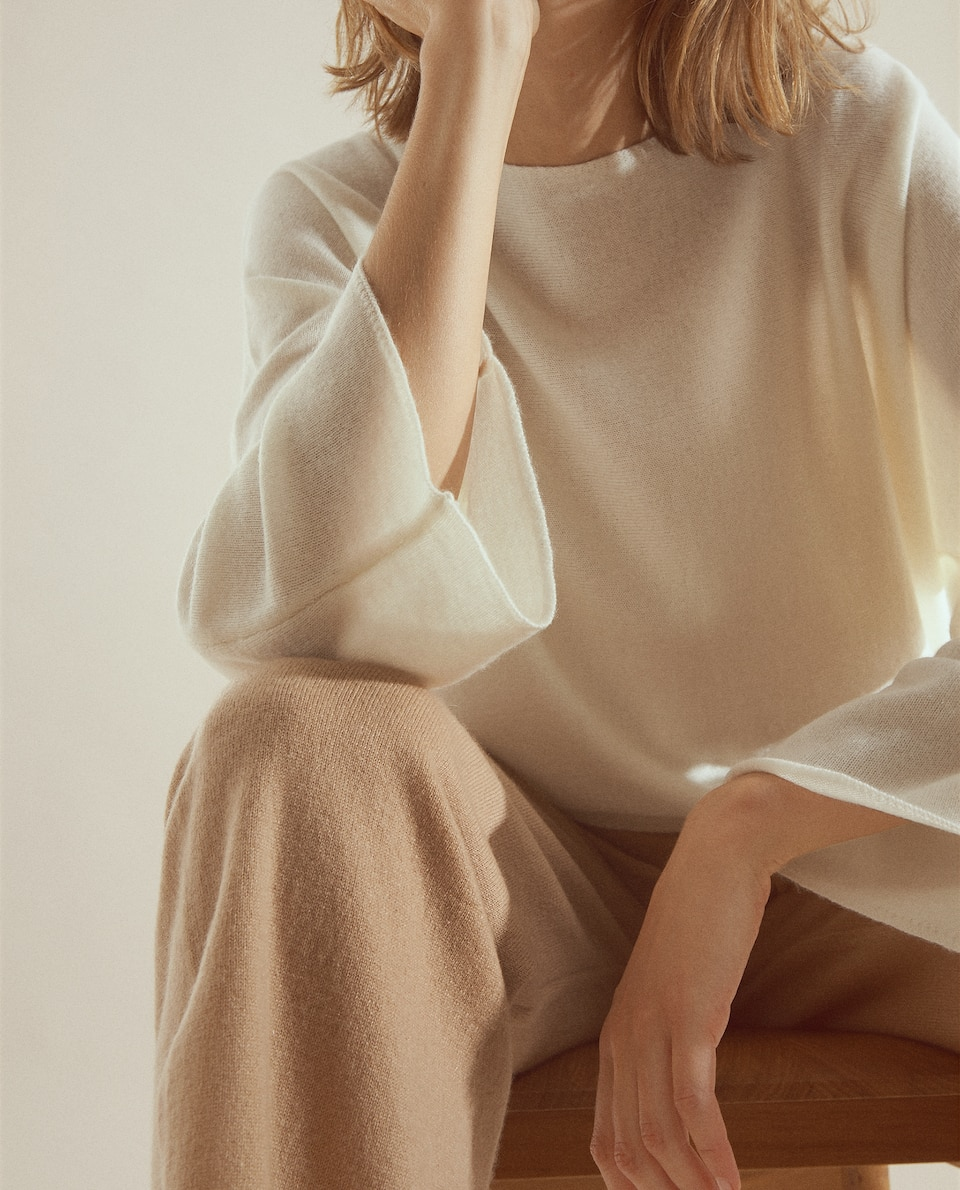 WIDE-FIT CASHMERE SWEATER