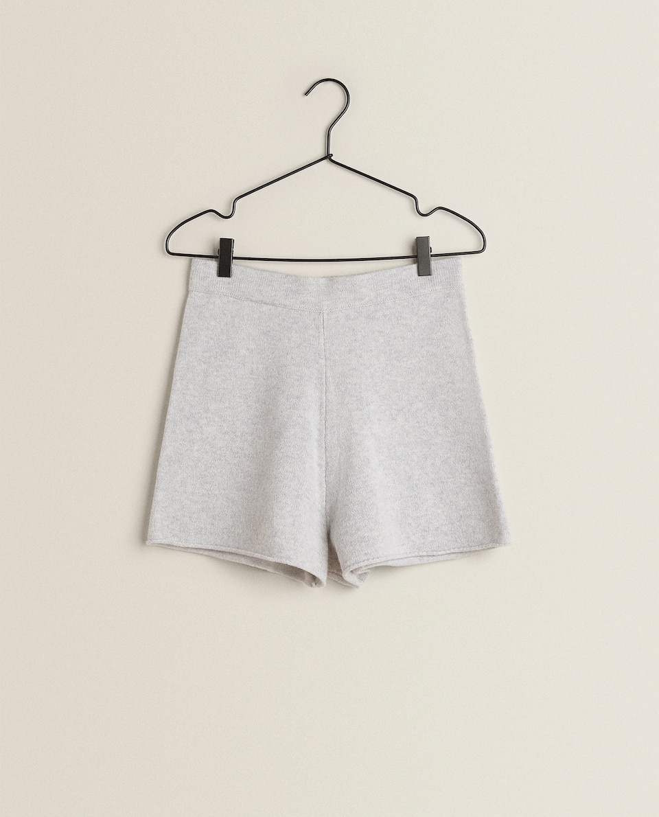 STRIKKEDE SHORTS