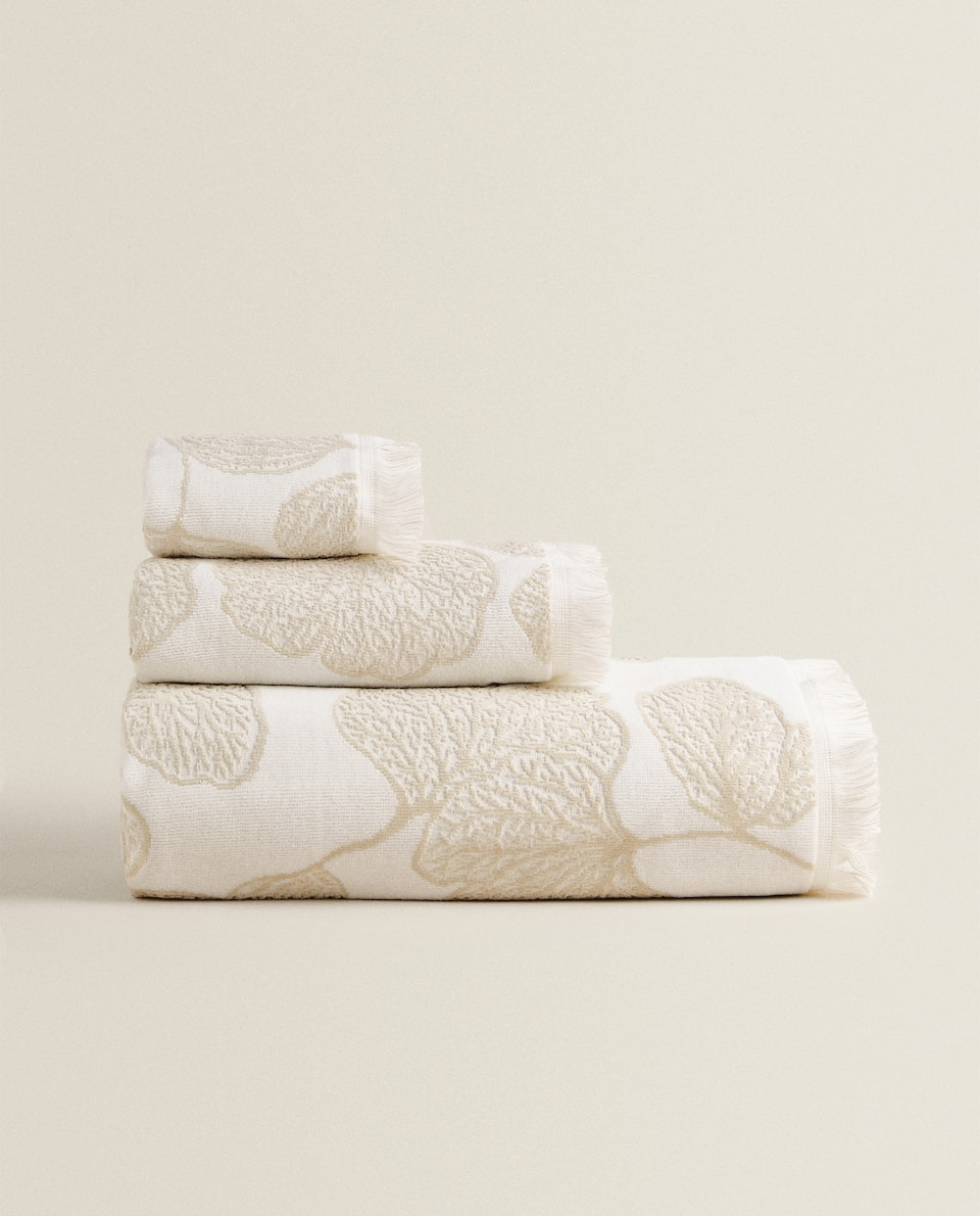FLORAL DESIGN TOWEL