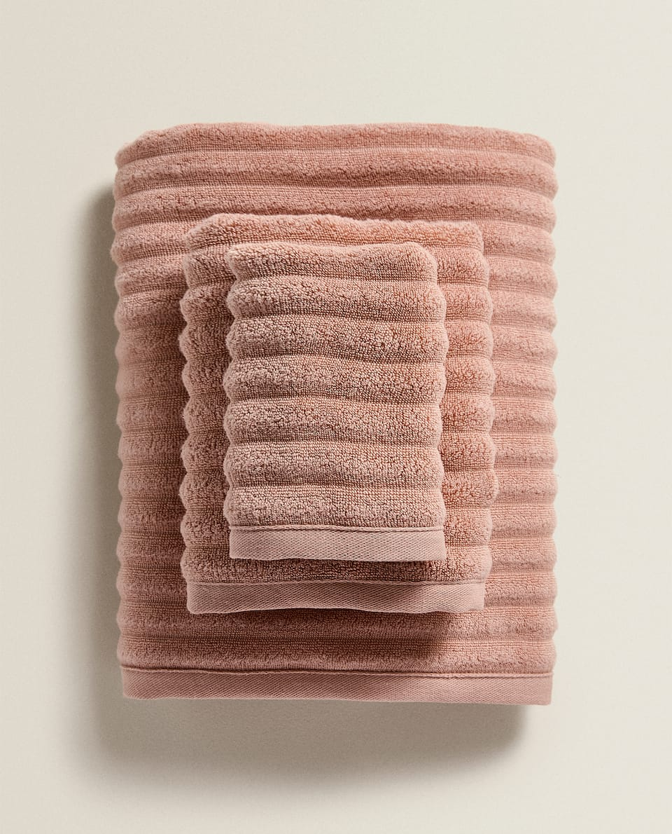EXTRA SOFT COTTON TOWEL WITH RAISED WAVE DESIGN