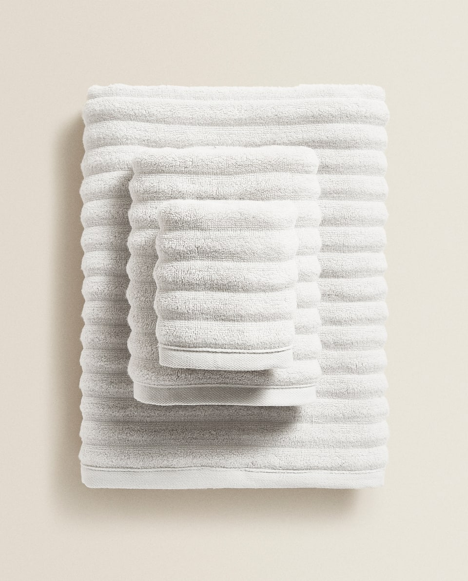 EXTRA SOFT TOWEL WITH RAISED WAVE DESIGN