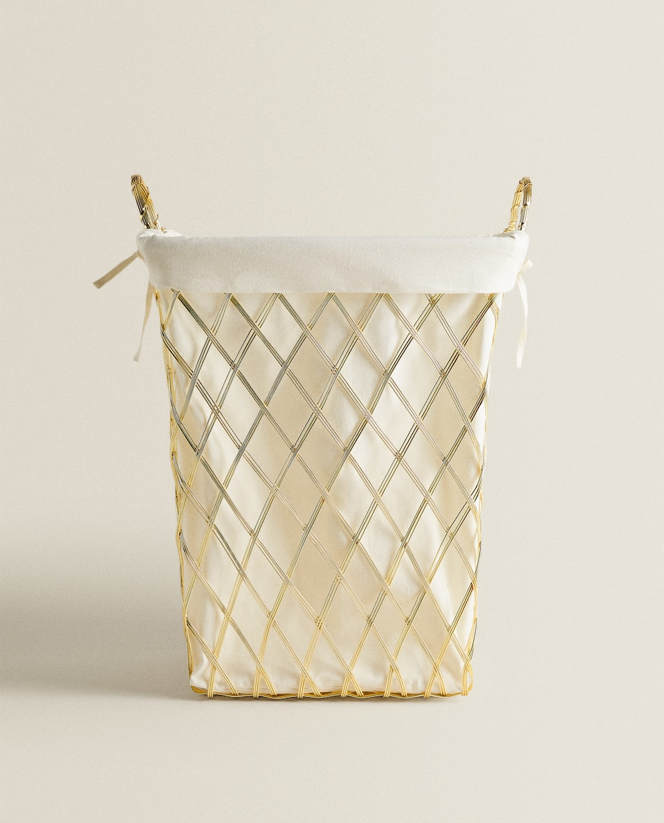 METAL BASKET WITH DIAMONDS