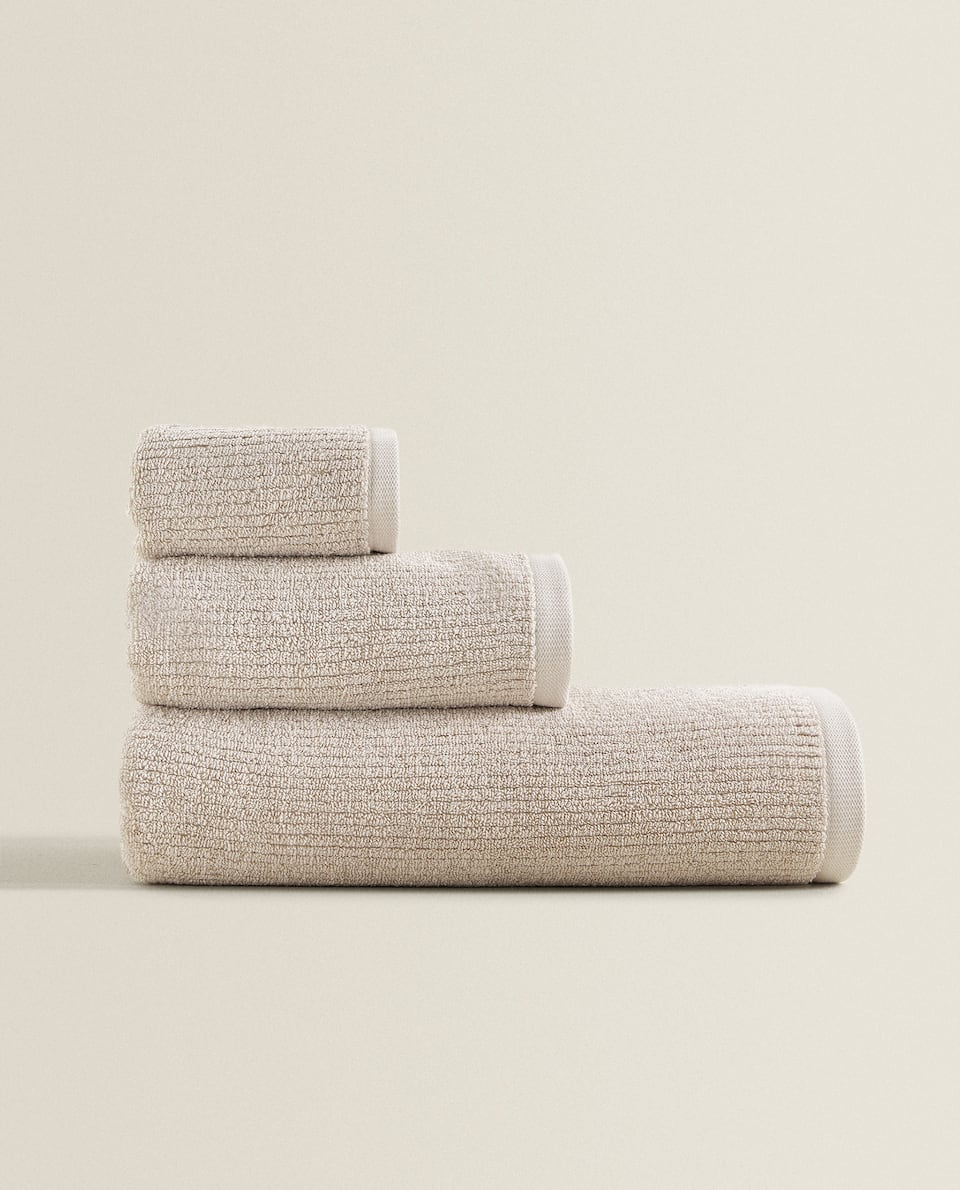 TEXTURED COTTON TOWEL