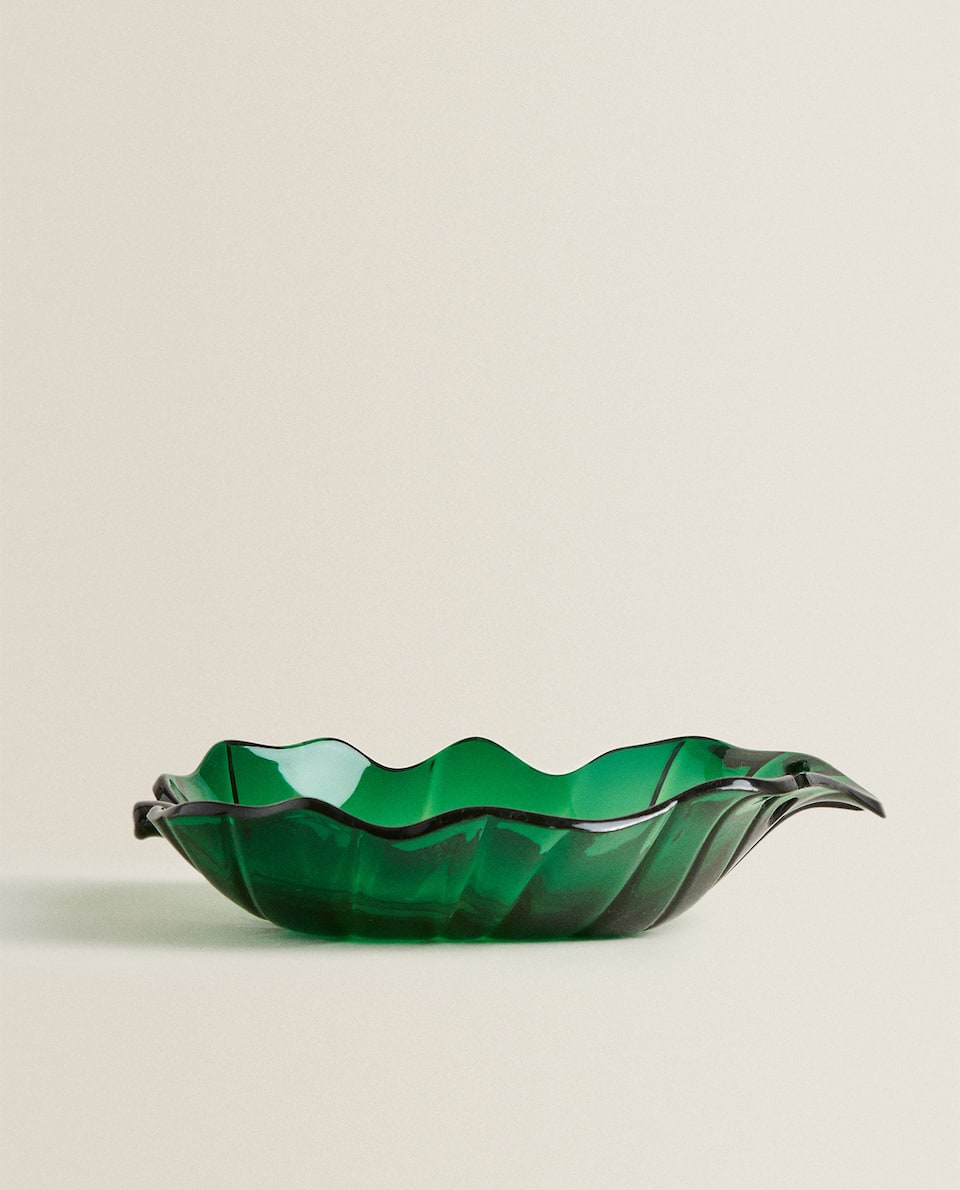 LEAF-SHAPED BOWL