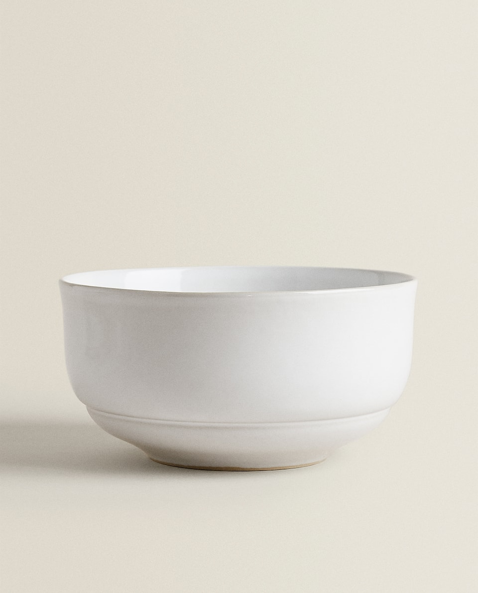 STONEWARE SALAD BOWL WITH RIM