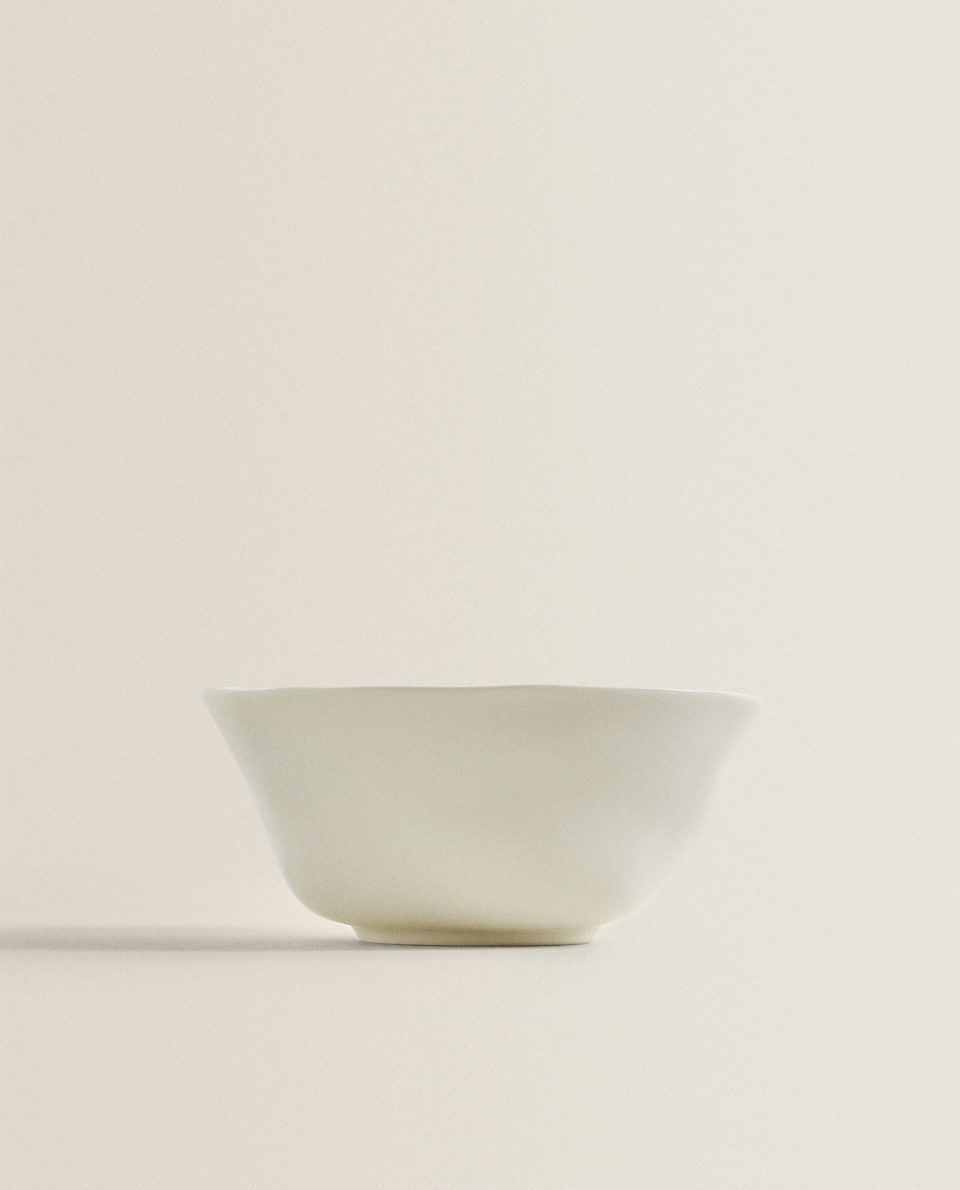 ORGANICALLY-SHAPED PORCELAIN BOWL