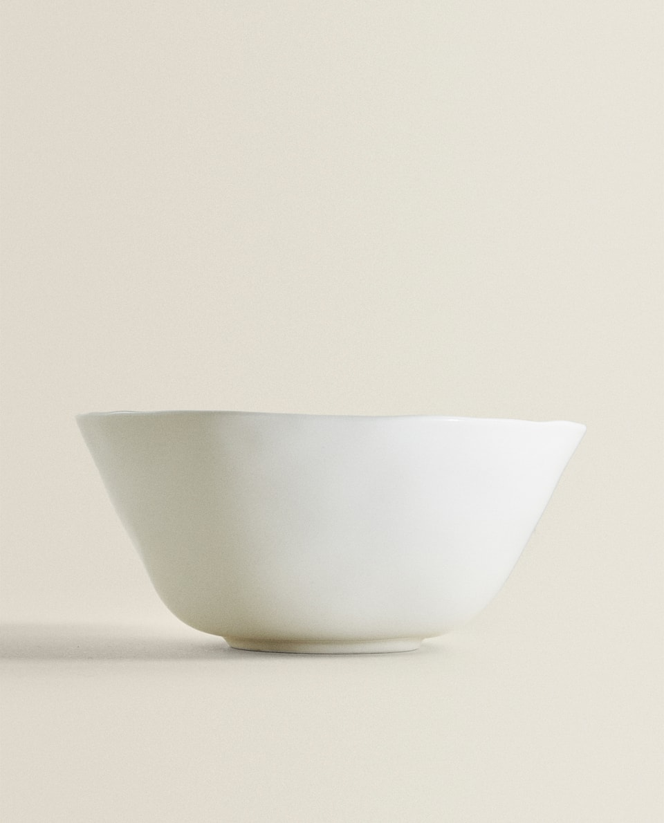 PORCELAIN SALAD BOWL WITH RAW SHAPE