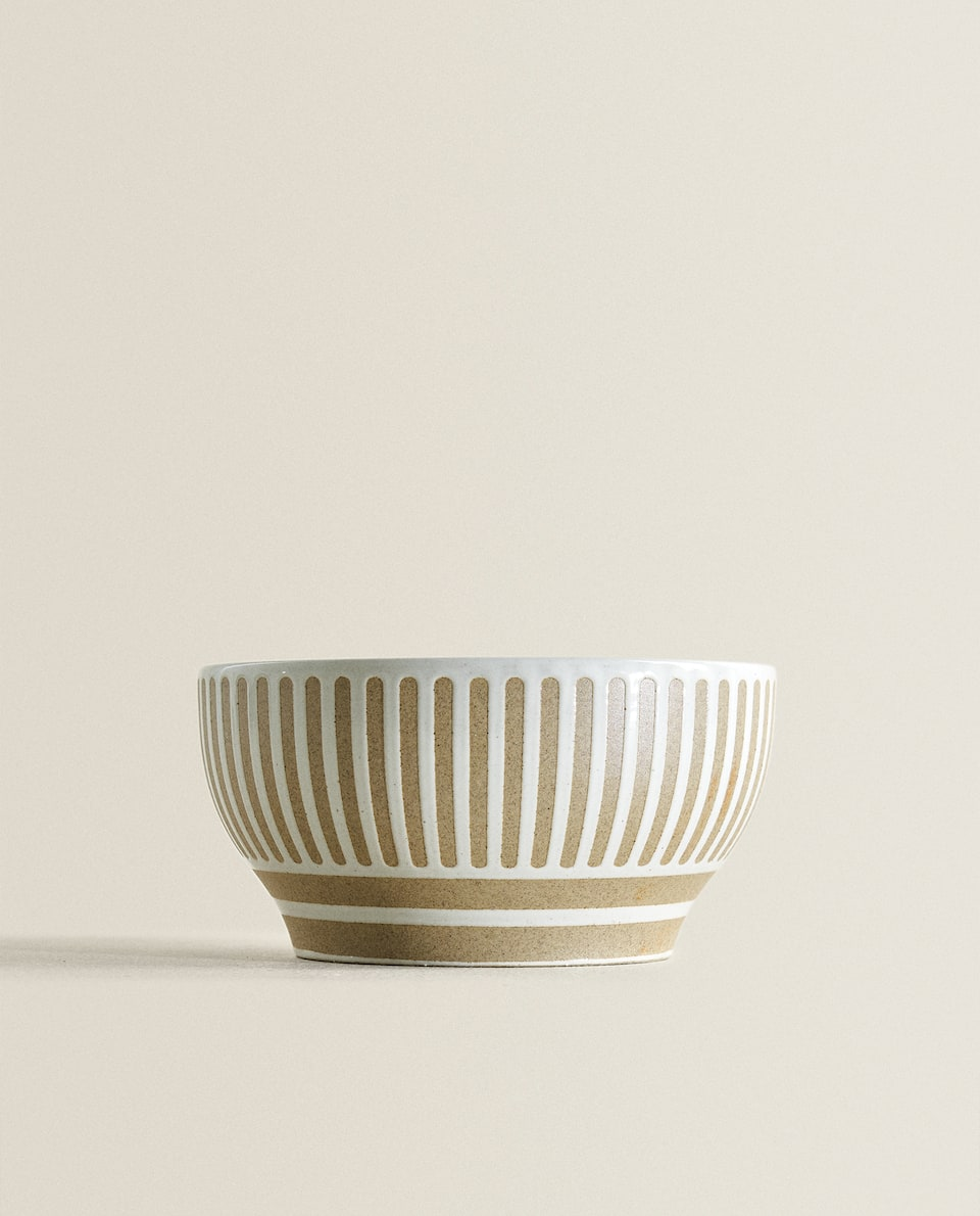 TWO-TONE STONEWARE BOWL