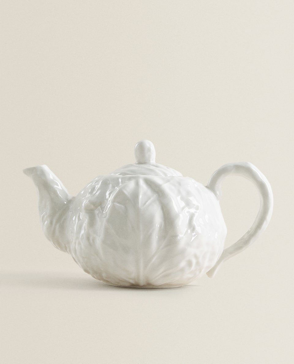 TEAPOT WITH PLANT TEXTURE