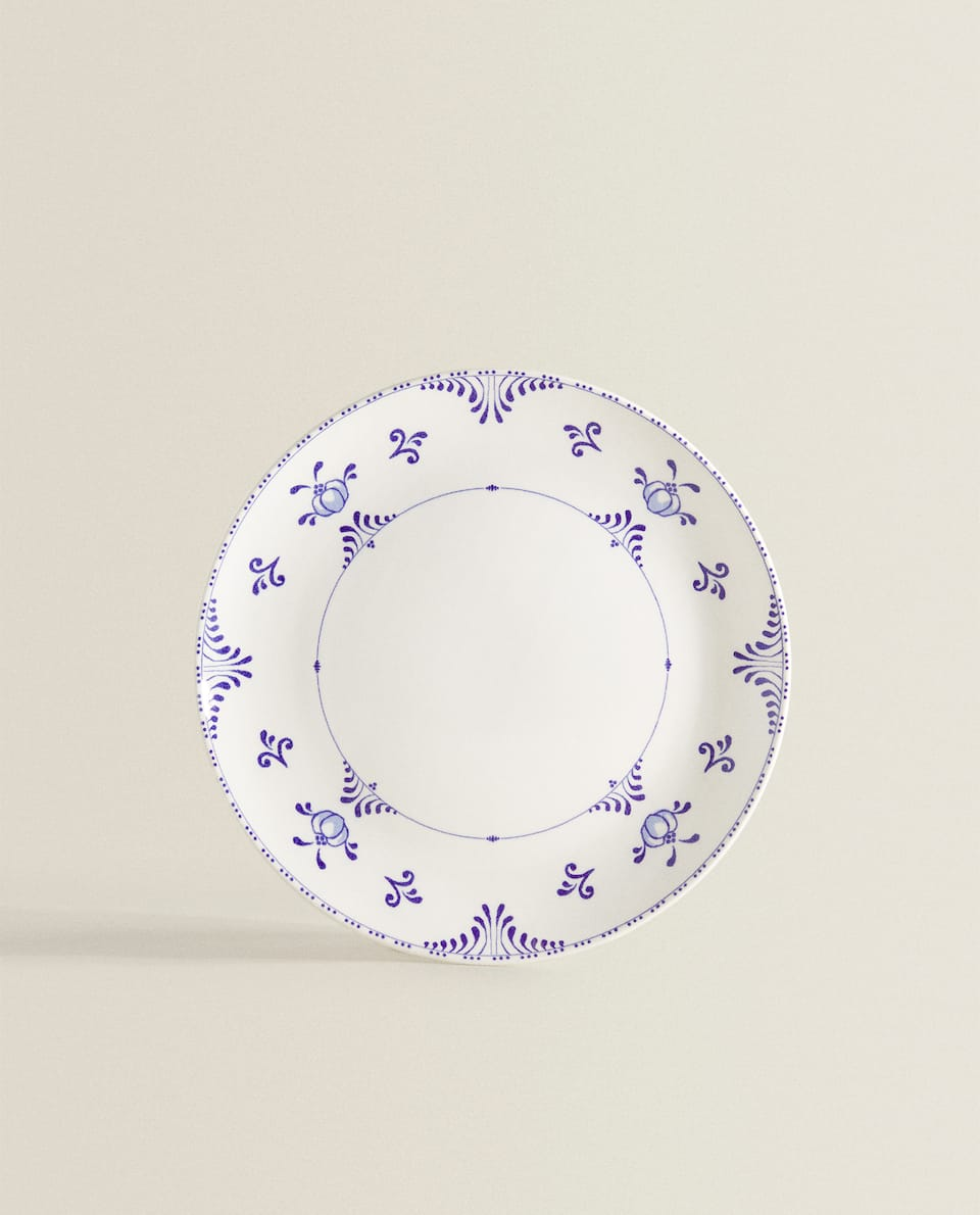 DESSERT PLATE WITH BLUE MOTIFS