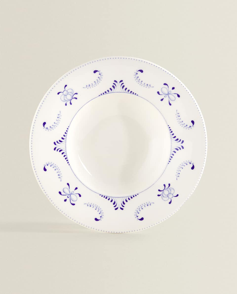 PASTA PLATE WITH BLUE MOTIFS