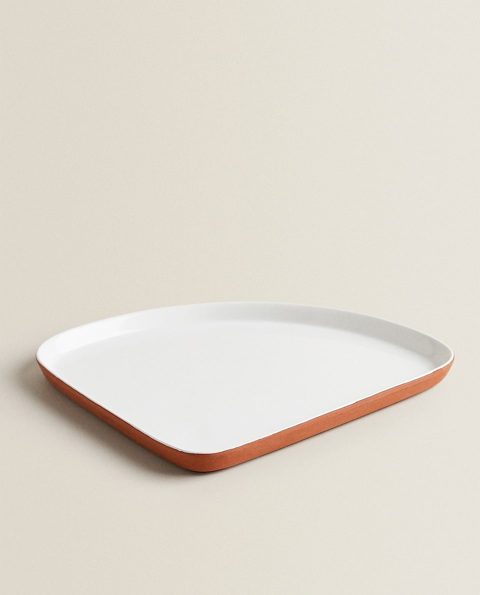 TERRACOTTA-EFFECT SERVING DISH