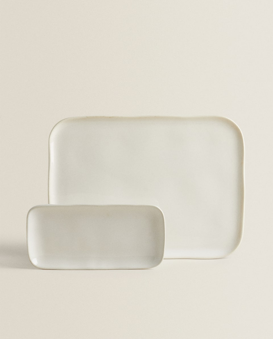 RECTANGULAR STONEWARE SERVING DISH