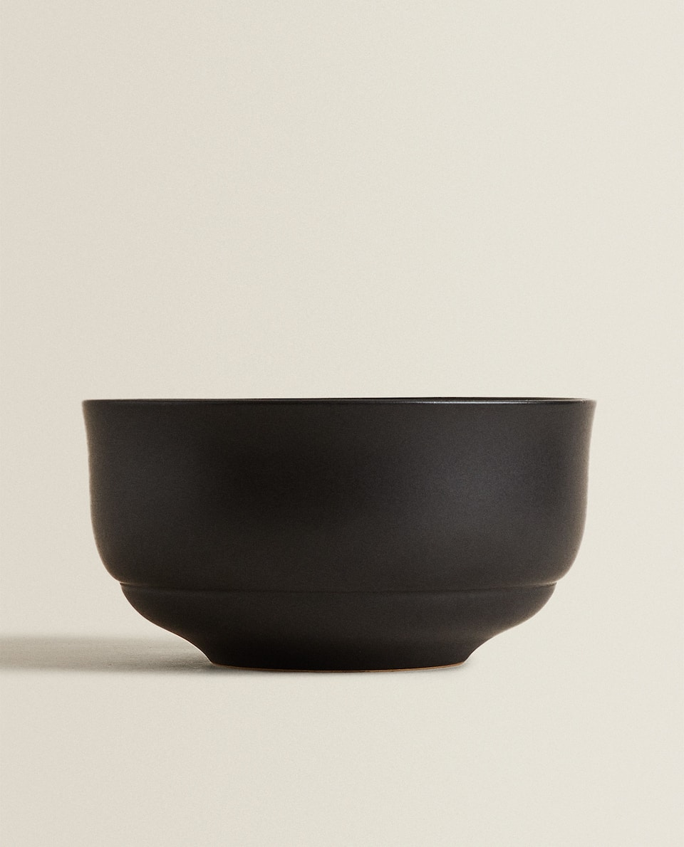 MATTE BLACK SALAD BOWL