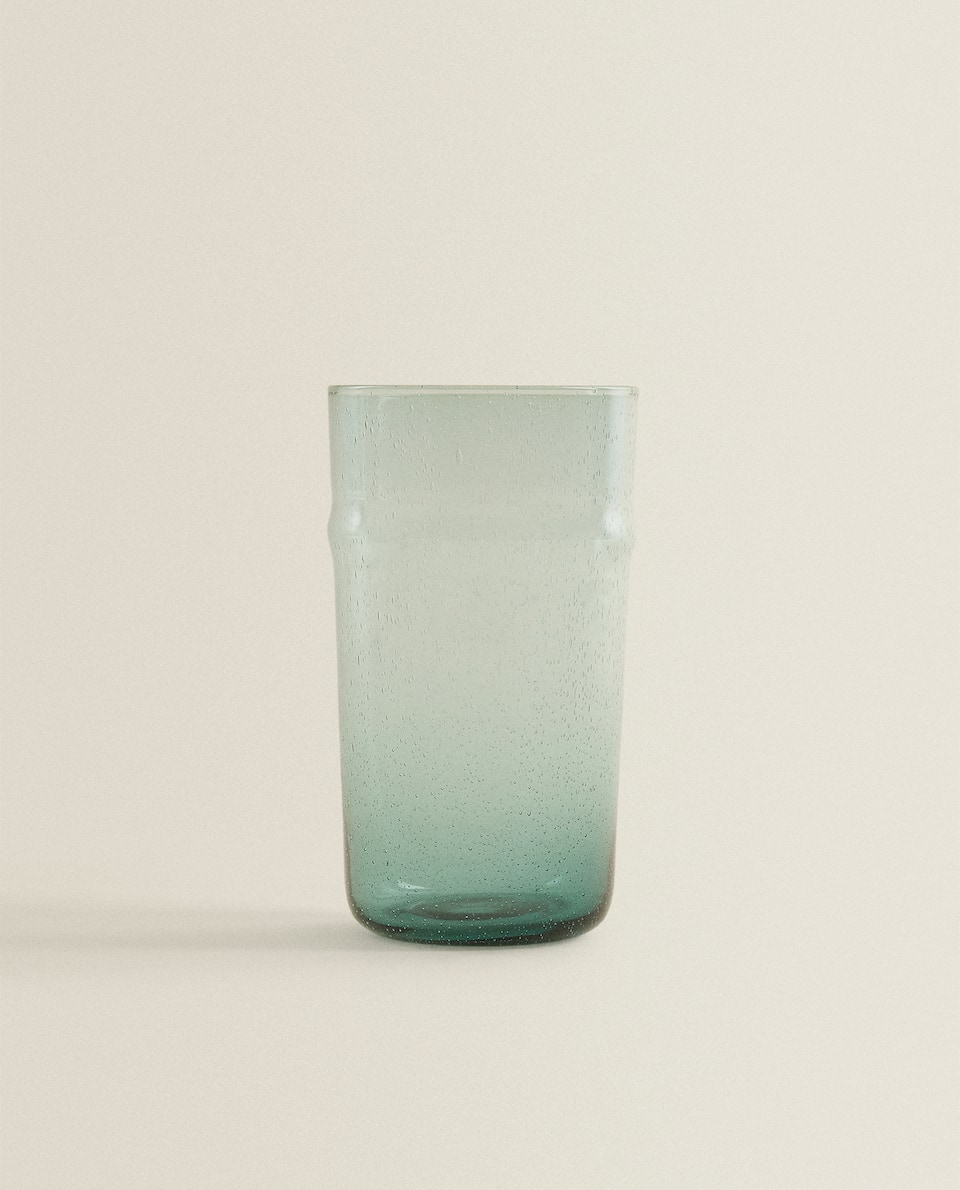 BUBBLE-EFFECT SOFT DRINK TUMBLER