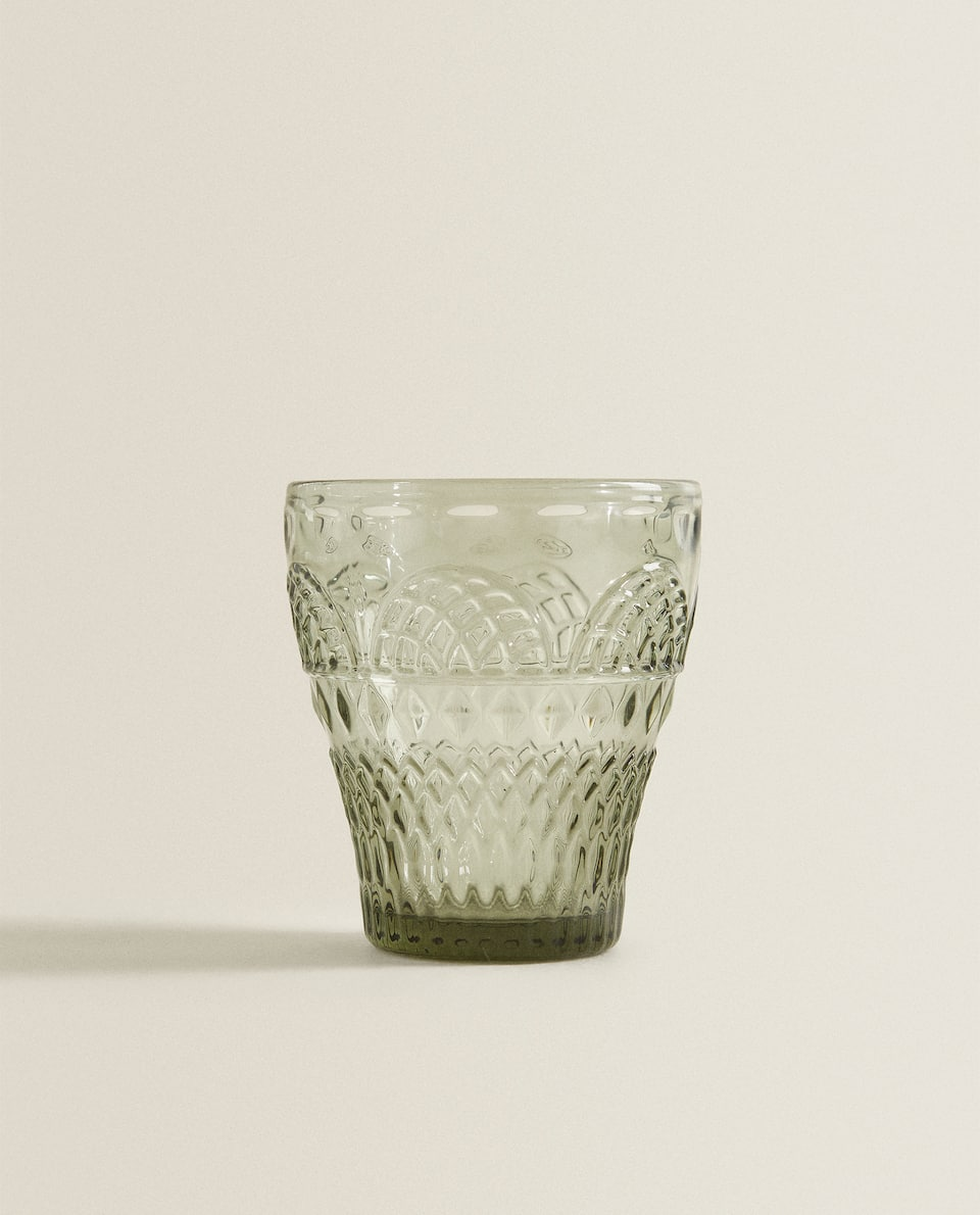 RAISED DESIGN GLASS TUMBLER
