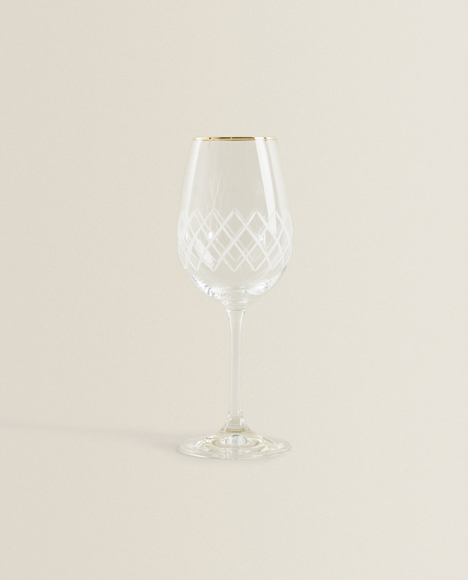 ENGRAVED WINE GLASS WITH GOLD RIM
