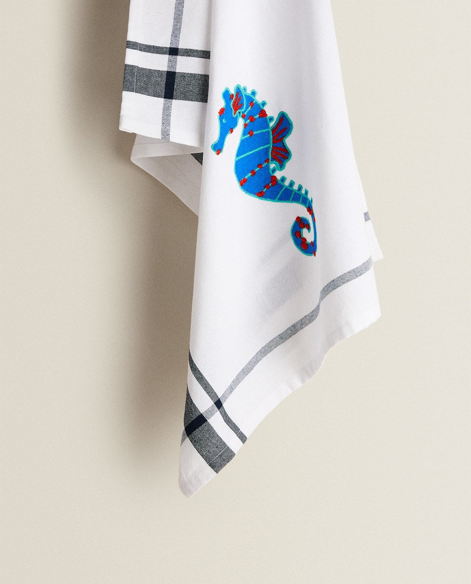 TEA TOWEL WITH EMBROIDERED SEAHORSE
