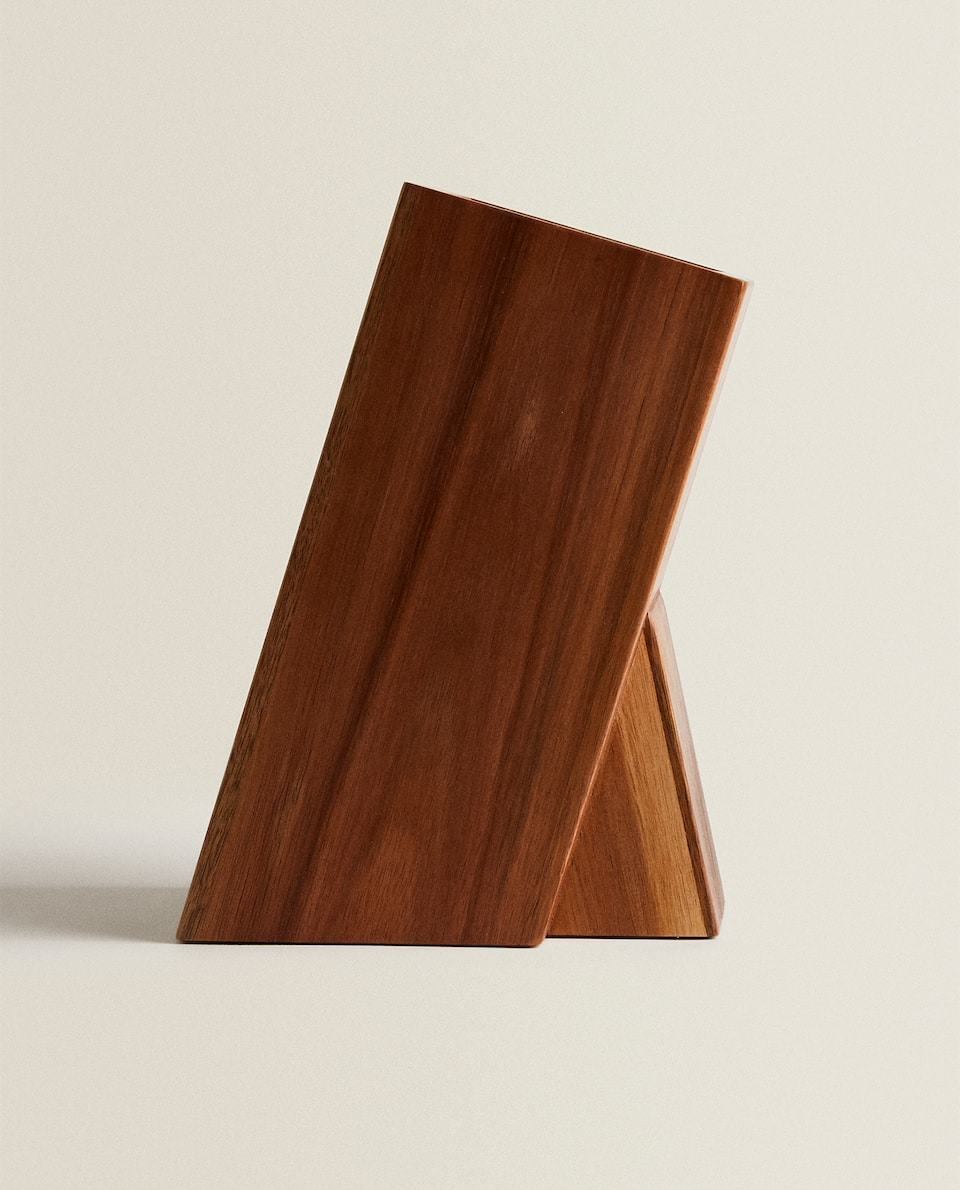 WOODEN KNIFE STAND