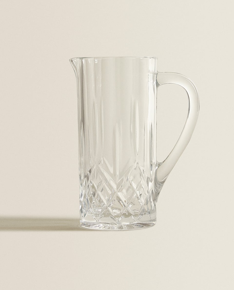 CRYSTALLINE PITCHER WITH RAISED DESIGN