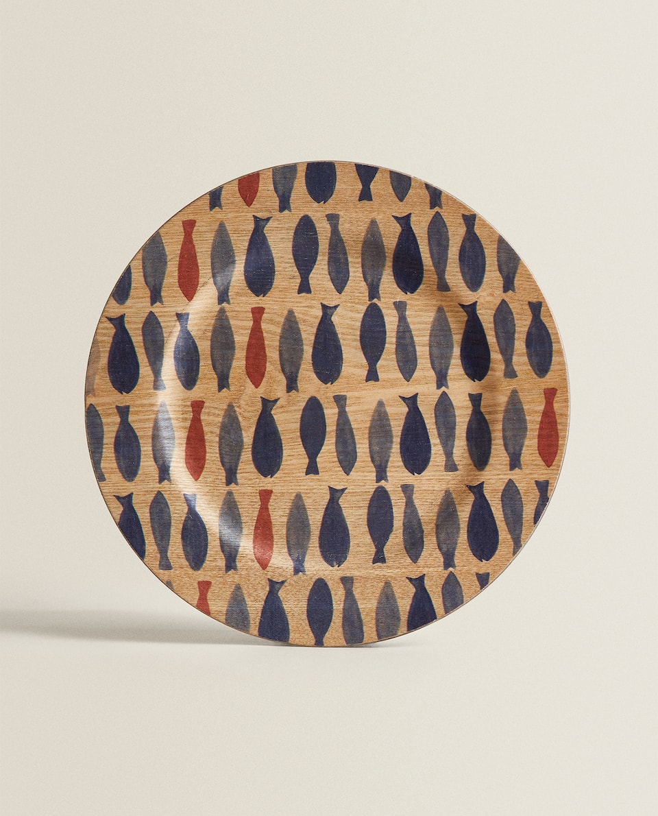 WOODEN SERVICE PLATE WITH FISH ILLUSTRATION