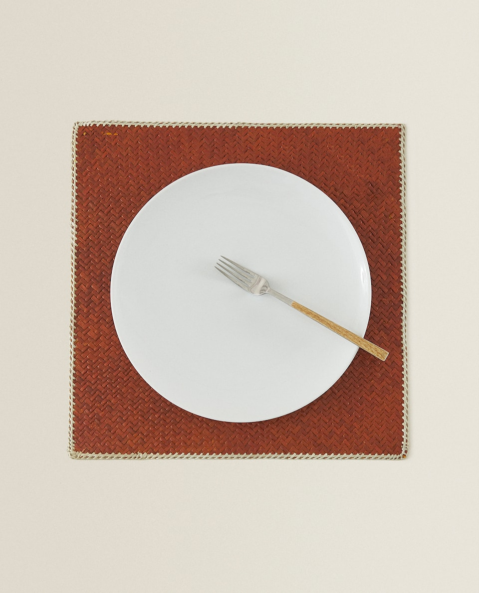 NATURAL FIBRE PLACEMAT