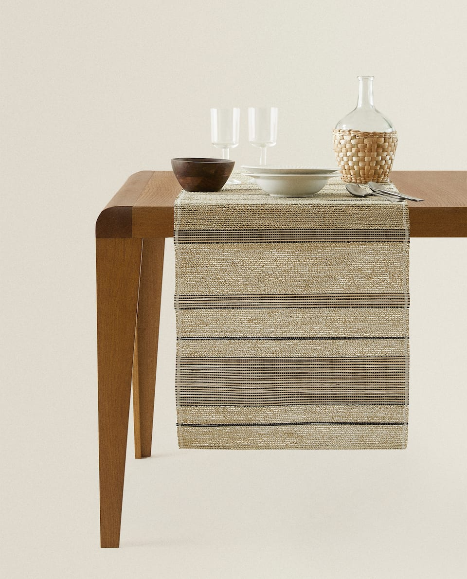 NATURAL FIBRE TABLE RUNNER
