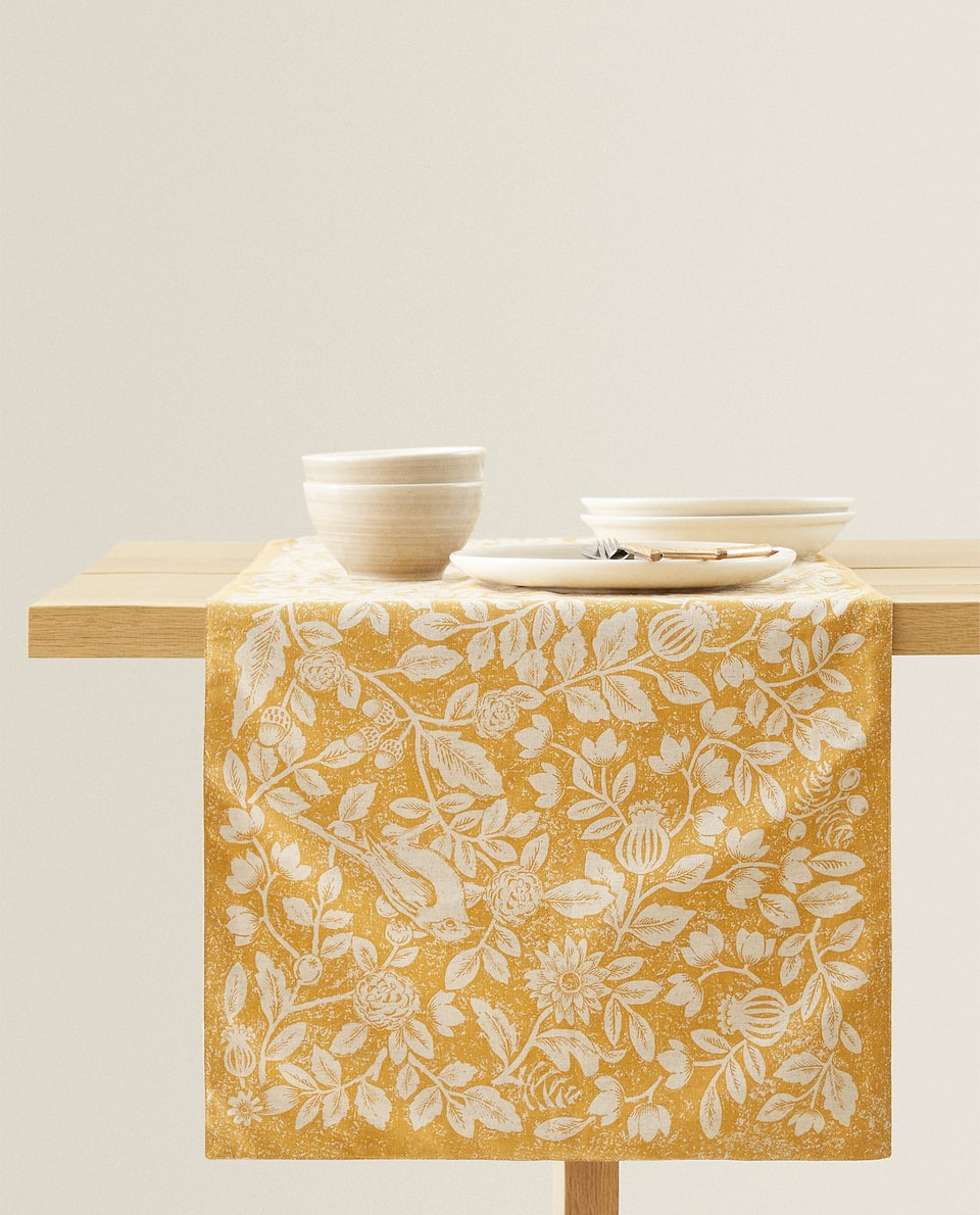 FLORAL PRINT LINEN TABLE RUNNER