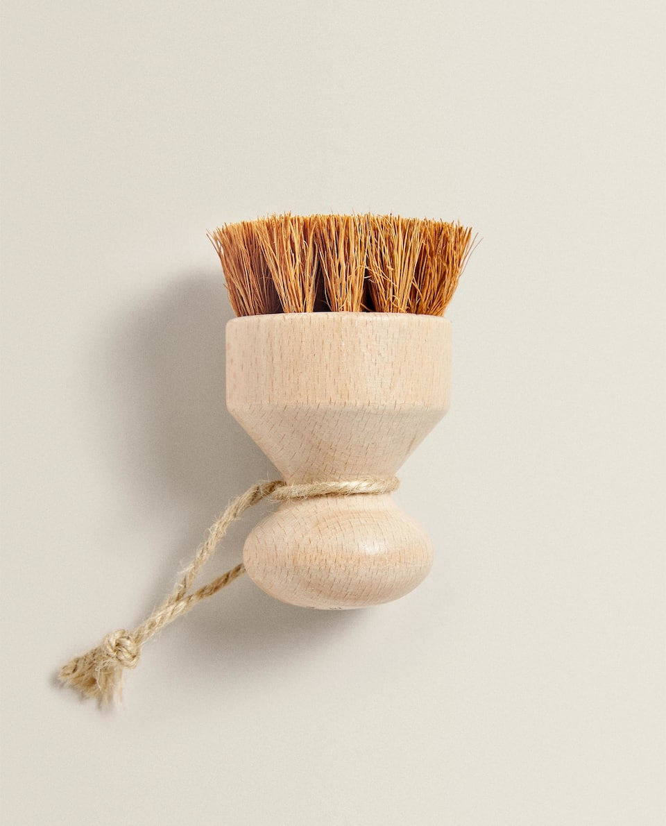COCONUT FIBRE BRUSH FOR DISHES