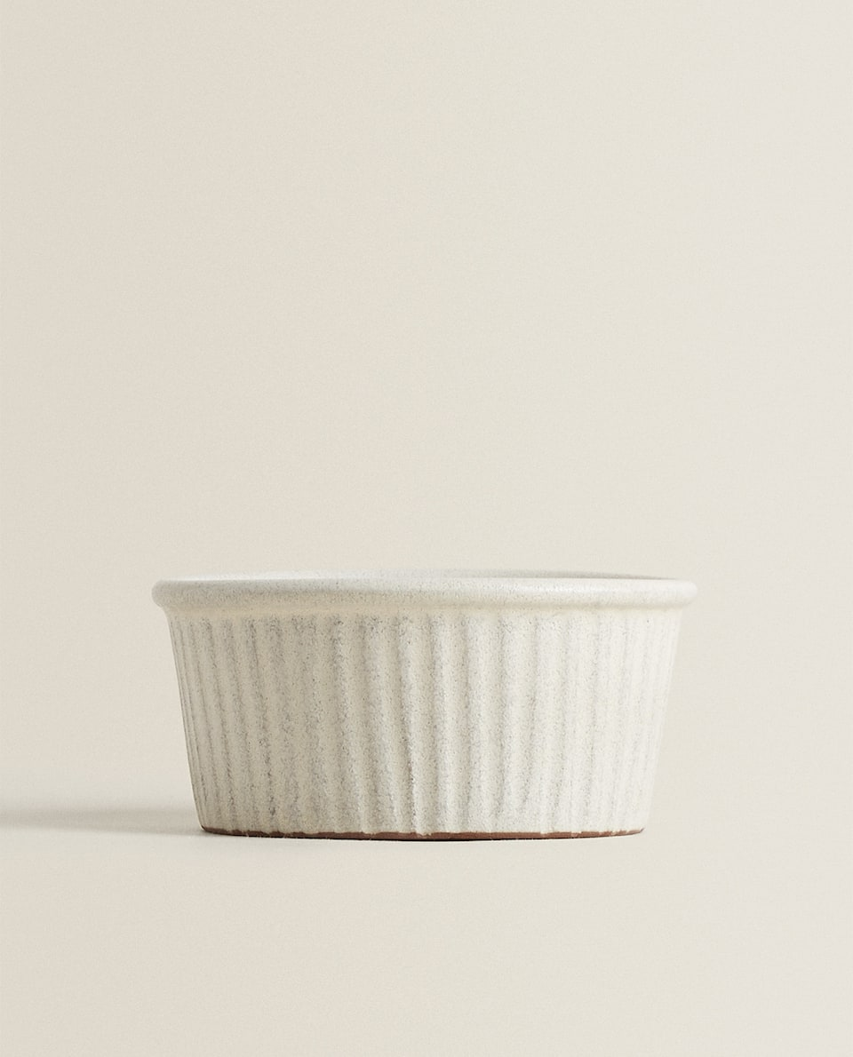TEXTURED TERRACOTTA RAMEKIN