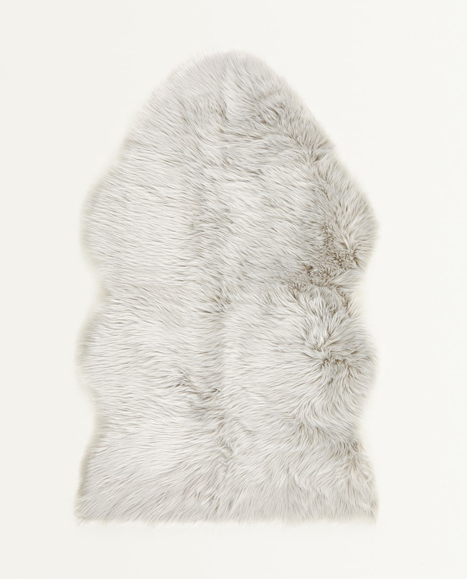 WHITE FAUX FUR RUG