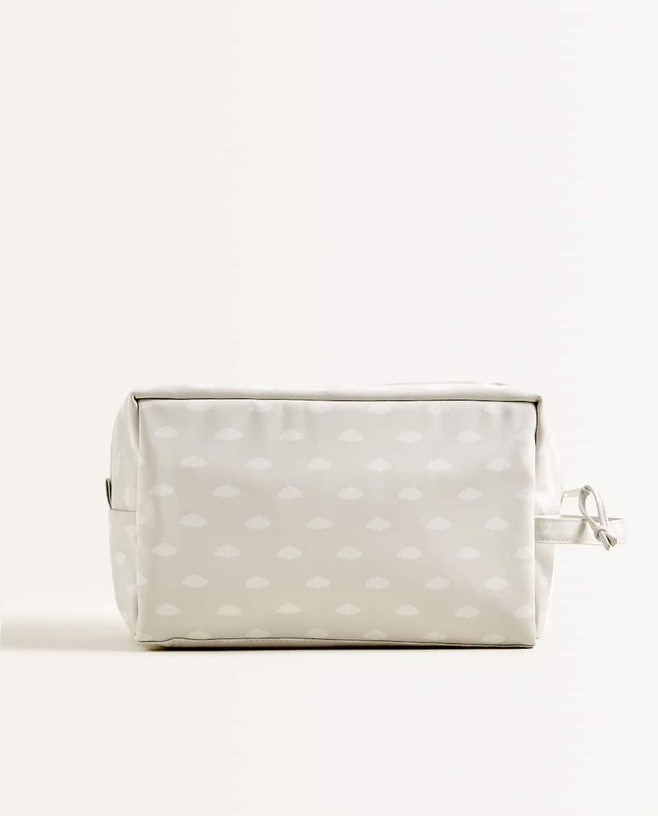 LAMINATED TOILETRY BAG WITH CLOUDS
