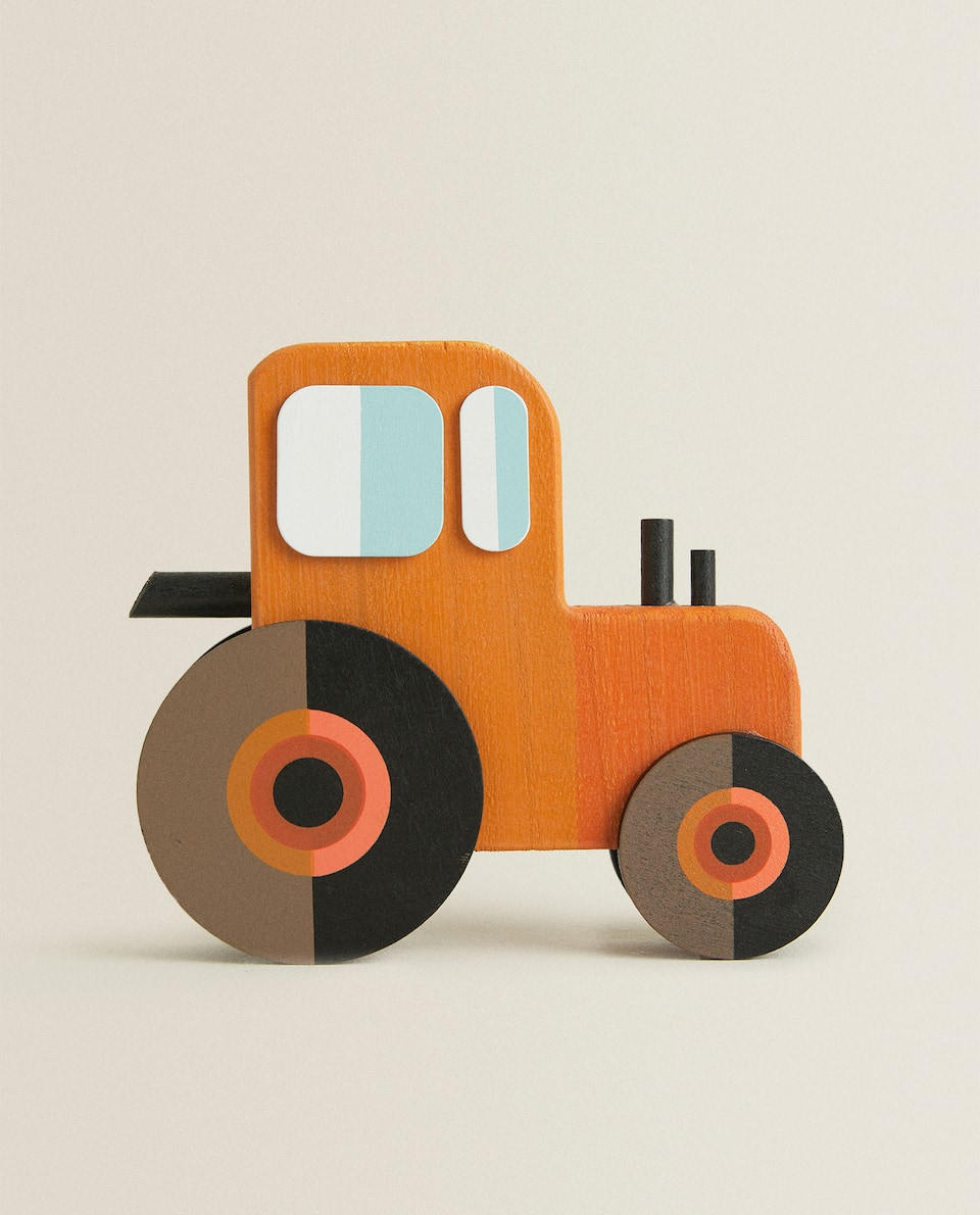 DECORATIVE TRACTOR ACCESSORY