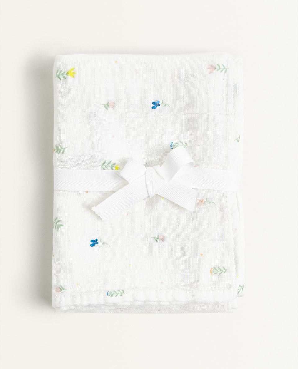 FLORAL AND POLKA DOT PRINT MUSLIN CLOTH (PACK OF 2)