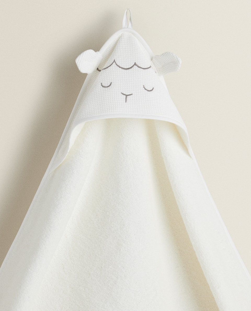 SHEEP HOODED TOWEL