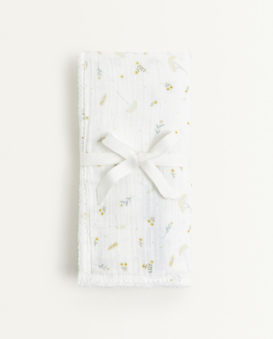 LEAF PRINT MUSLIN CLOTH