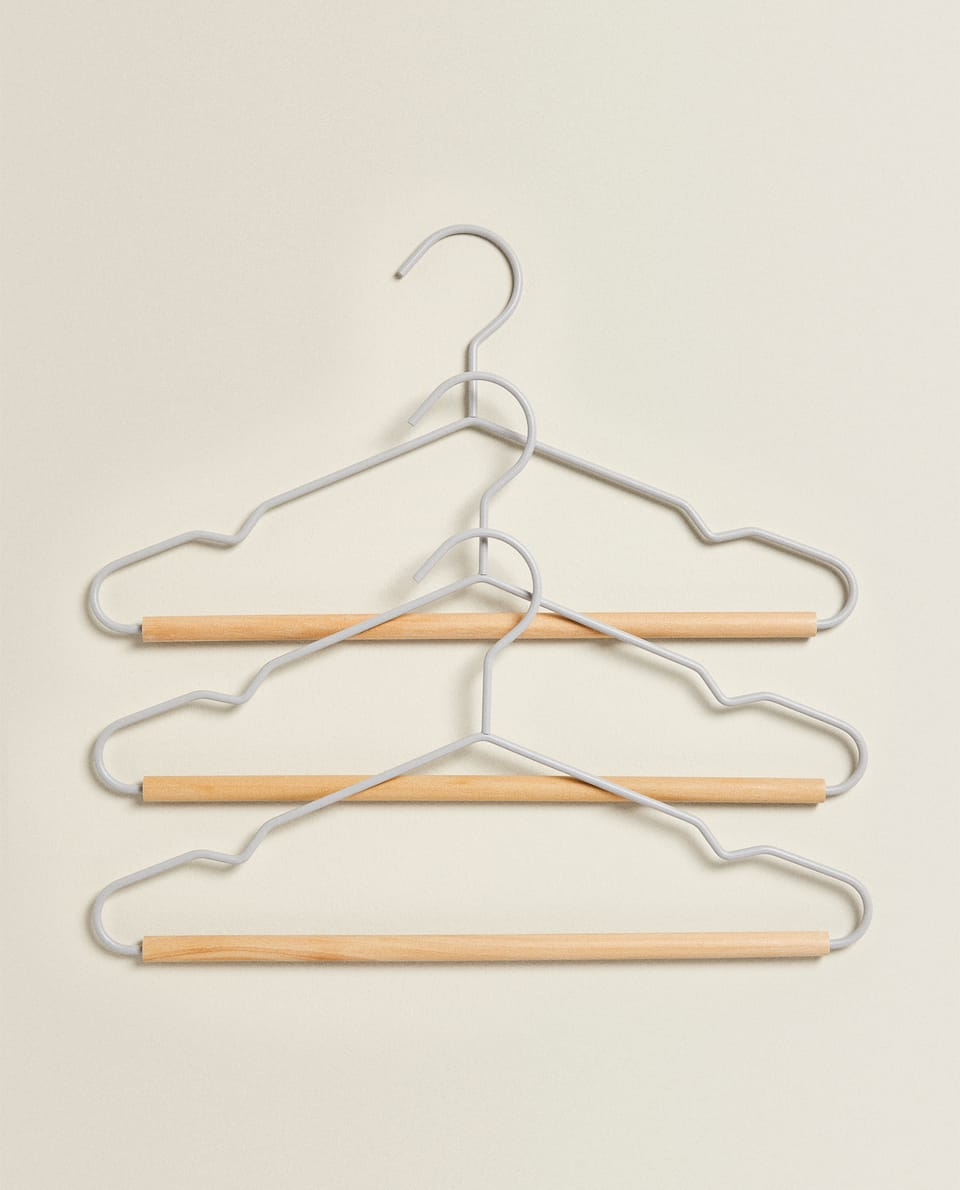 METAL AND WOOD HANGER (SET OF 3)