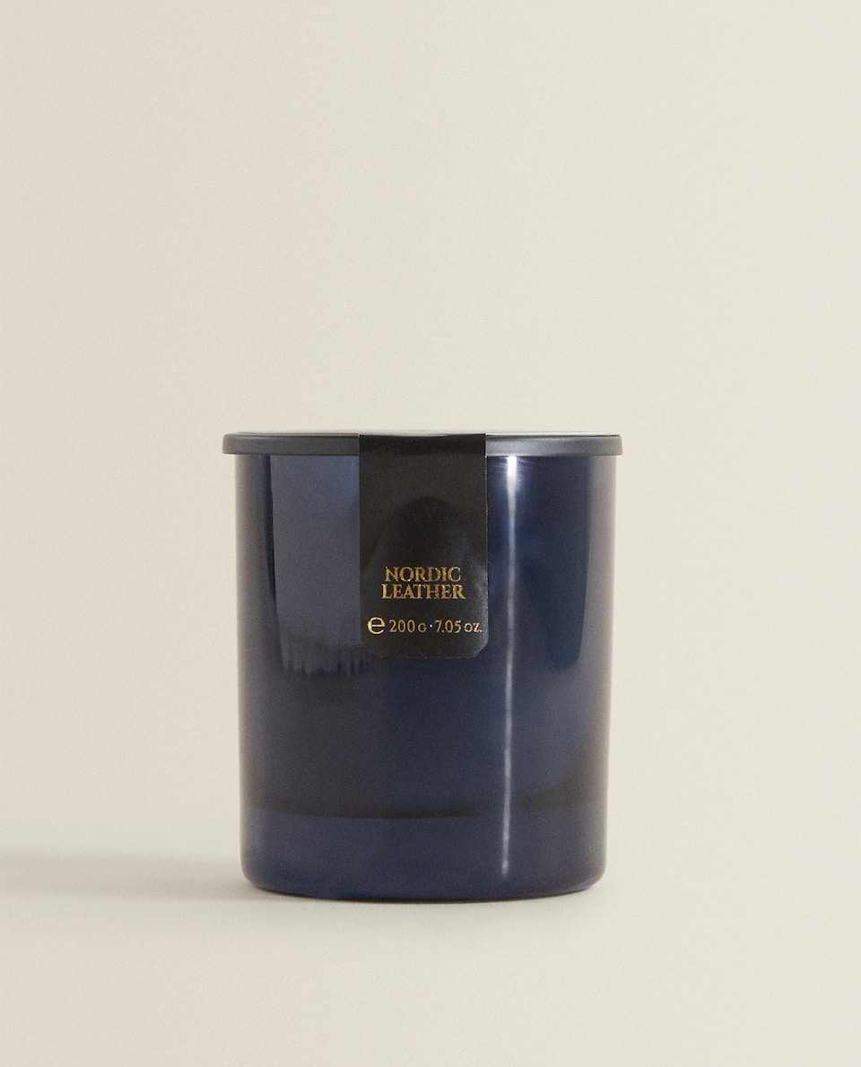 NORDIC LEATHER SCENTED CANDLE (200 G)