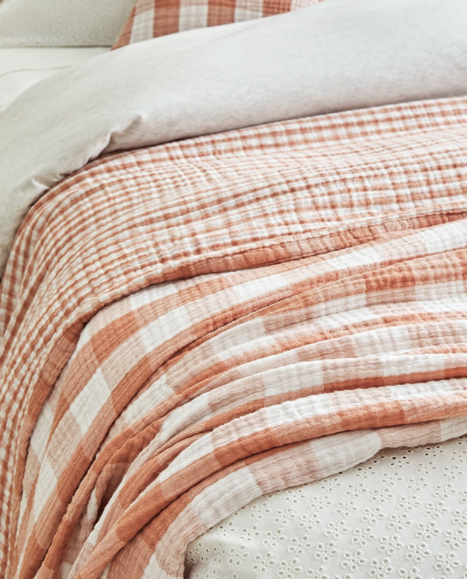 GINGHAM CHECK BEDSPREAD