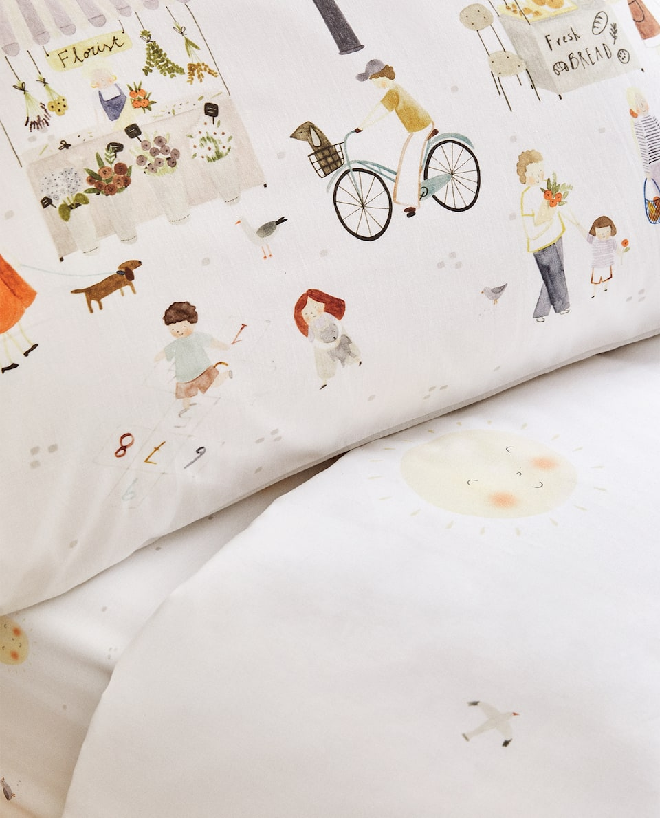 DUVET COVER WITH MARKET ILLUSTRATION
